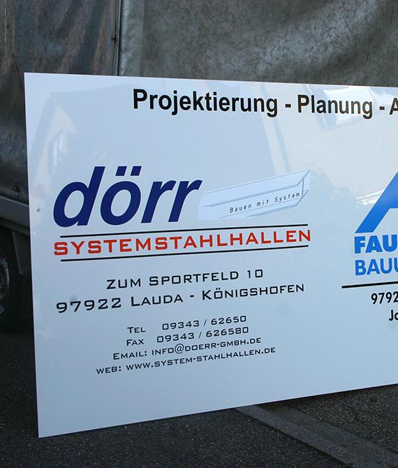 Werbedesign-Tauber_Projektschild_Acrylglas